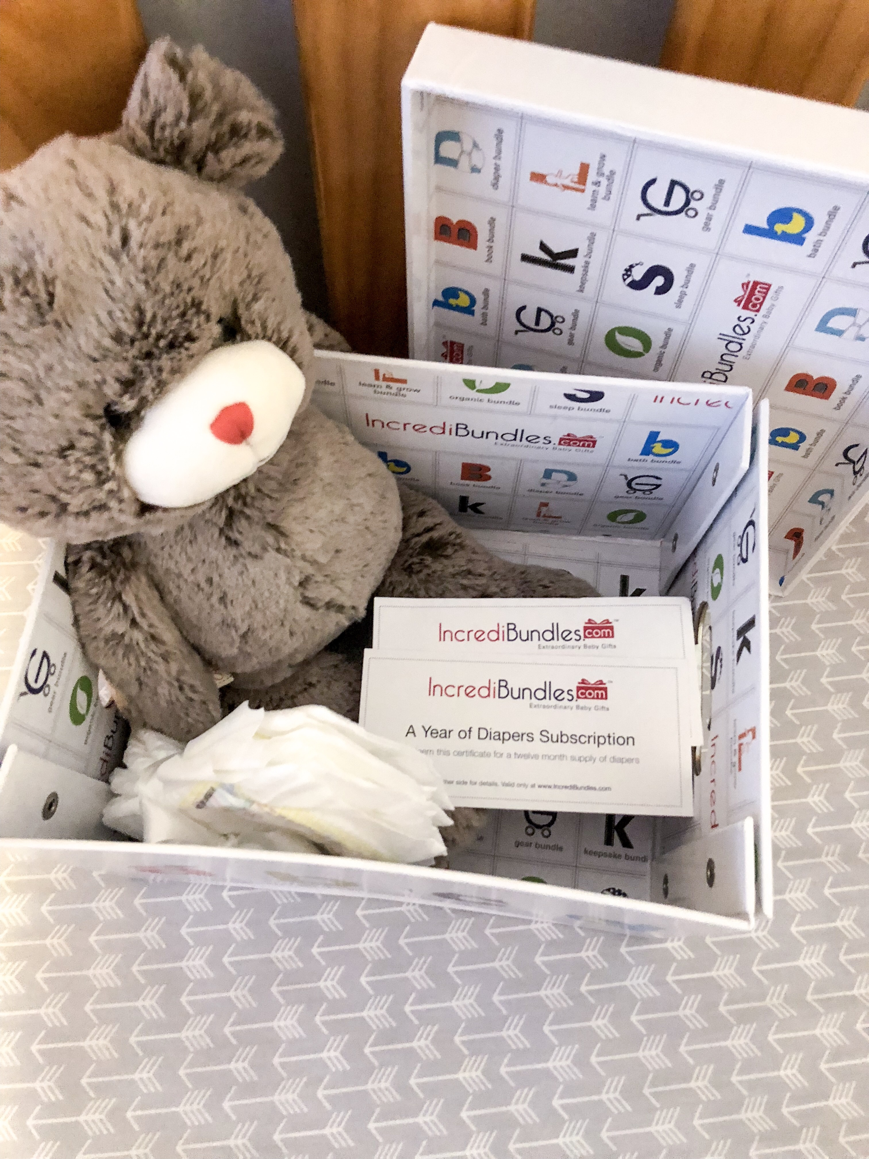 Looking for the perfect baby shower girt for a special mama to be? Want to get a gift they will actually use? Check out my review of IncrediBundles diaper subscription service and enter to win a free 3 month subscription of your own! | Baby | Baby shower gift | Diapers | Free diapers |