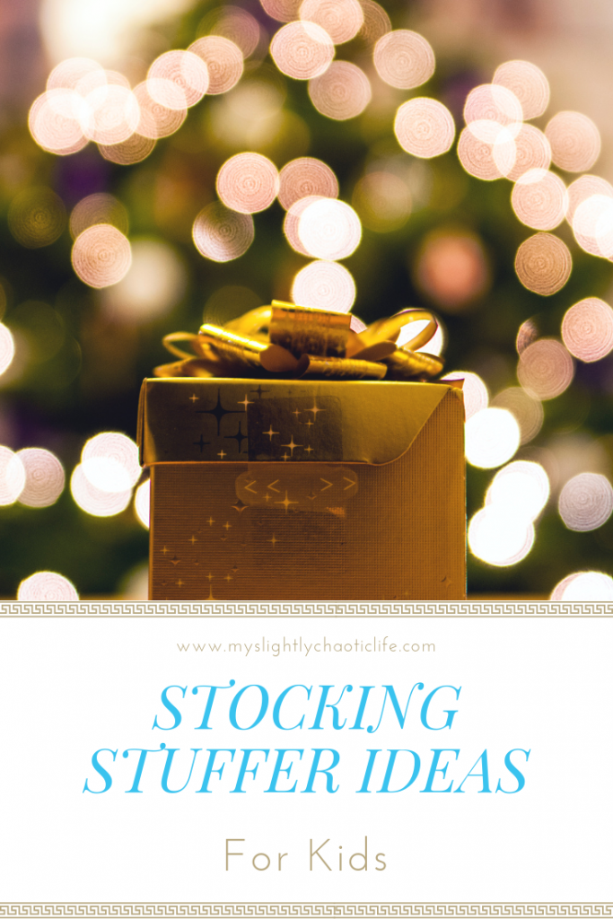 Looking for ideas of gifts to put in your kid's stockings? Check out this list of stocking stuffer ideas for your kids! | Christmas gifts | Stocking stuffers | Holiday | Gifts | Kids gifts |