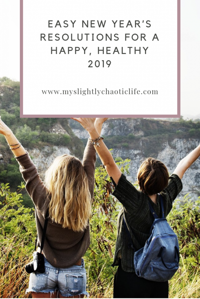 Looking for easy New Year's Resolutions for a happy, healthy new year? Here are 25 easy to commit to goals for the New Year. | New Year | Resolutions | Goal setting | #newyears #newyearsresolution #resolutionideas #goalsetting