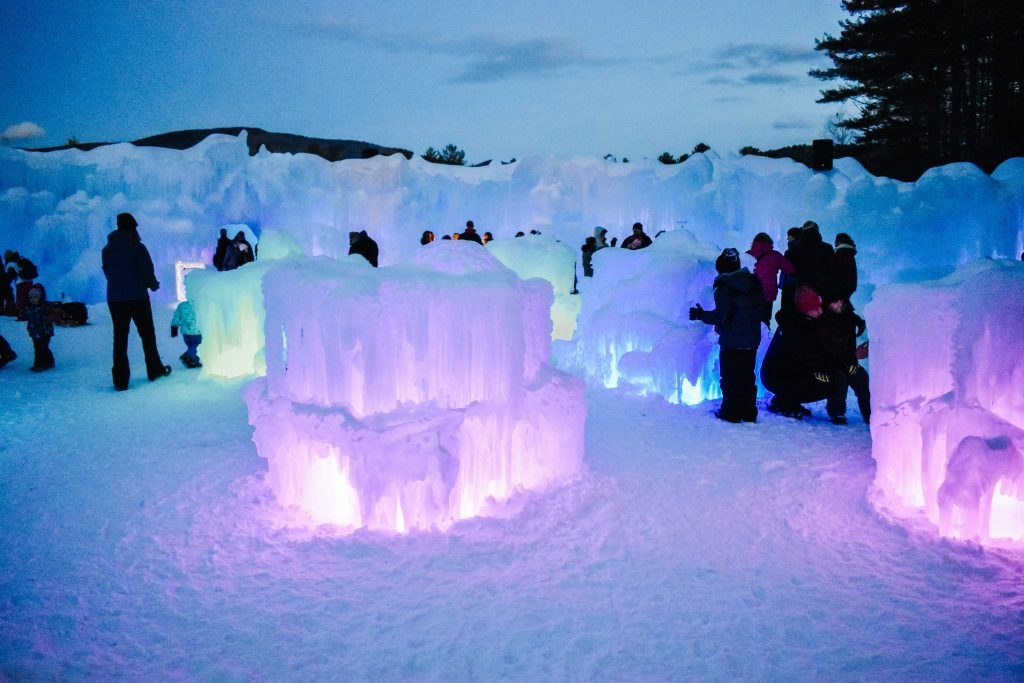 Visiting the Ice Castles New Hampshire? Here is what to expect during your visit. | New England travel | Ice Castles New Hampshire | Ice Castles photography |