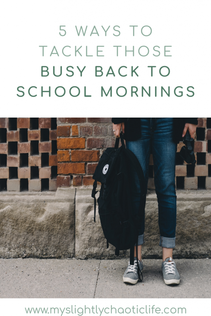 Struggle with those busy back to school mornings? Check out these 5 tips on how to combat those busy back to school mornings. | Back to school | Kids | School days |