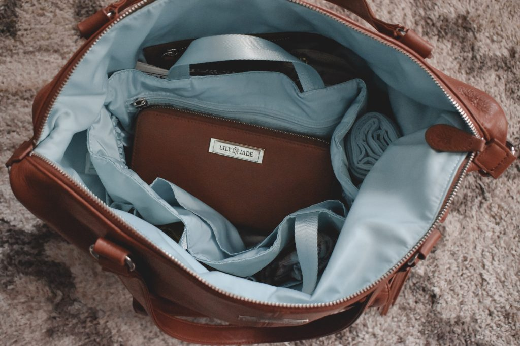 Looking for the perfect diaper bag that is not only functional but stylish as well? Read on as to why the Lily Jade diaper bag is the perfect bag for just that and why you need one of your own. | Lily Jade | Diaper Bag | Diaper bags | Stylish diaper bags |