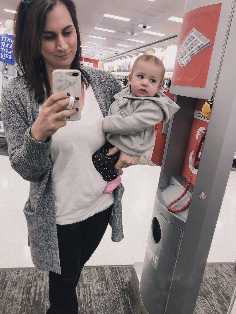 Looking for beauty tips and hacks for that busy mom life? Check out 9 beauty hacks for busy moms   Beauty Tips   Beauty Hacks   Busy Moms   Mom Life   Beauty   Makeup  