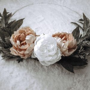 Looking to create a home decor wreath of your own. Here is an easy DIY project to get the floral home decor wreath you desire. | Home decor | Home decor wreath | Floral wreath | DIY |
