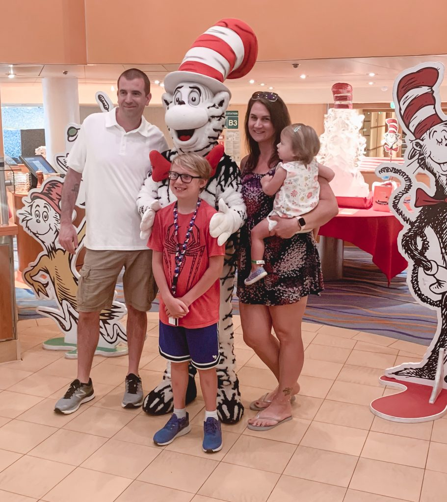 Have you been looking for the best family friendly cruise for your family vacation? Here is why Carnival cruise line is your family friendly cruise for any budget! | Carnival Cruise | Family cruise | Travel | Kids travel |