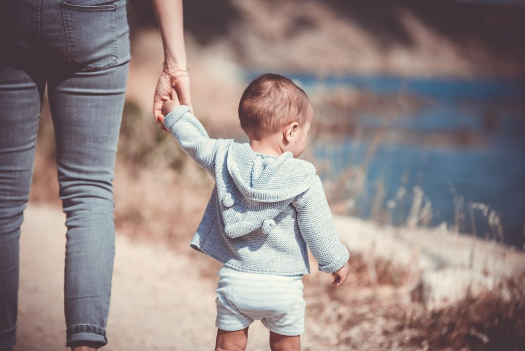 Wondering how to survive co parenting with a narcissisit? Here are ways to get through it with your sanity intact. | Co parenting | Narcissist | Relationships |