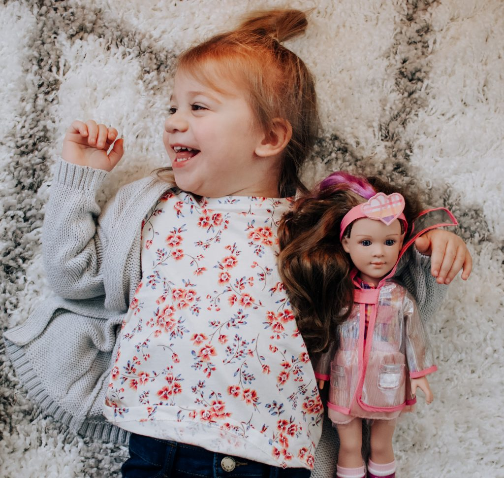 Looking for gift ideas for your toddler? Here are Christmas gift ideas for your toddler that will spark imagination and creativity. | Toddler gifts | Toddler | Christmas gift ideas | Gift ideas |